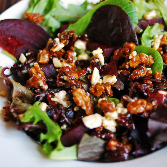 merlot-molasses-walnuts-in-beetroot-goats-cheese-salad